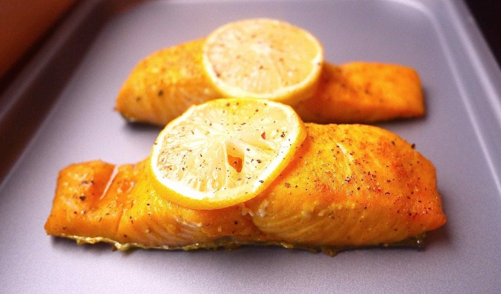 Sweet Lemon-Pepper Turmeric Salmon (paleo, GF) | Perchance to Cook, www.perchancetocook.com